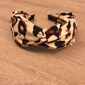 Leopard knotted headband